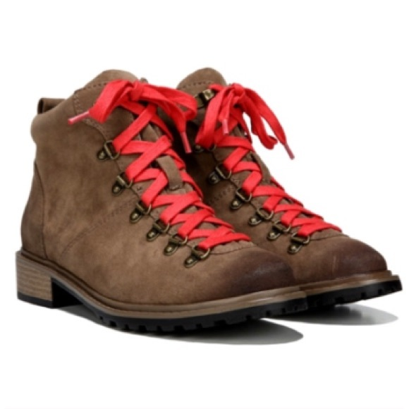 Shoes - Hiking Boots BRAND NEW!!